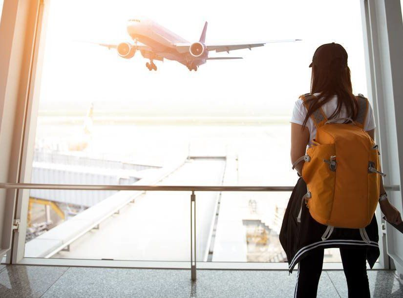 2- Küçük şeyleri doldurabileceğiniz seyahat çantası