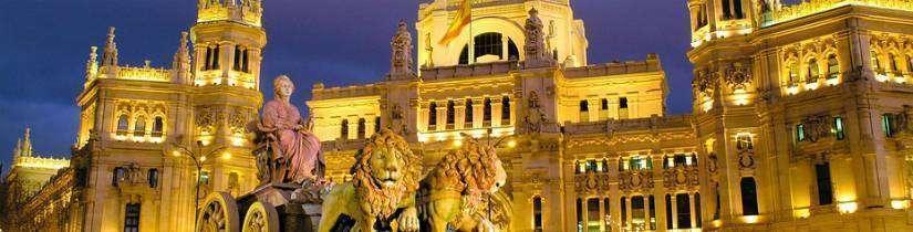 Meydanları ve müzeleriyle ünlü