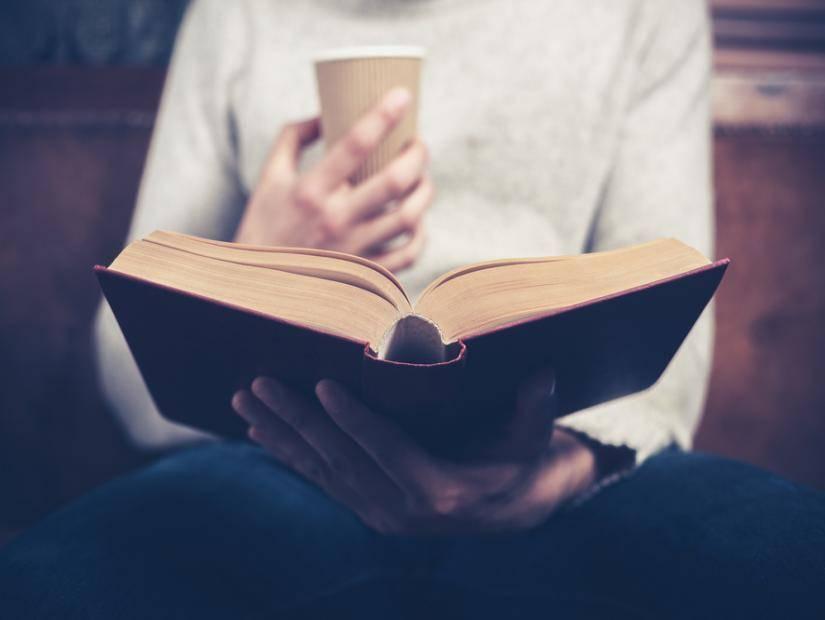 Kitap Okuyan İnsan