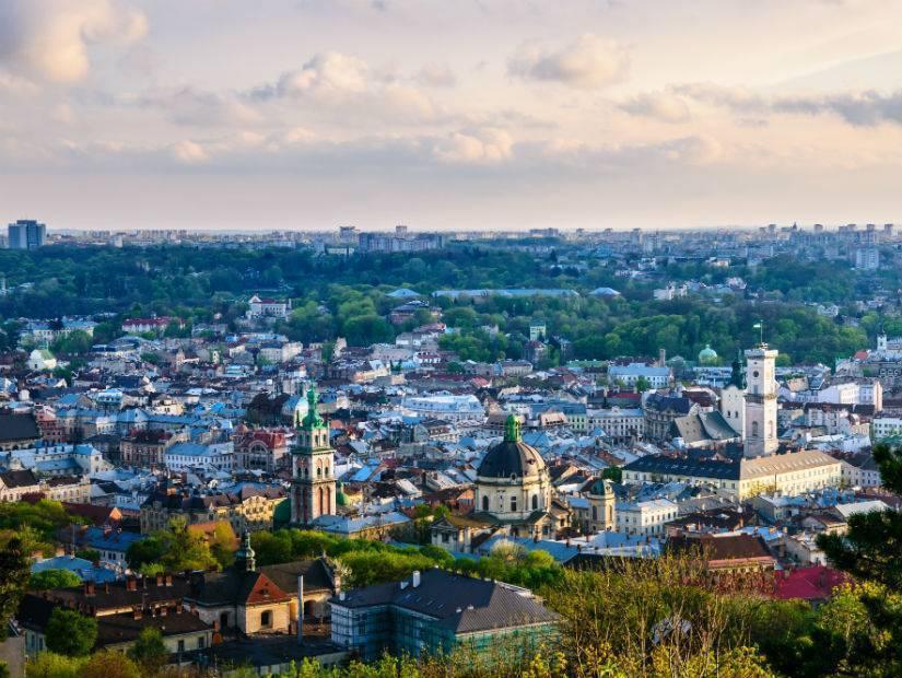 Ekim'de Zaporijya ve Lviv